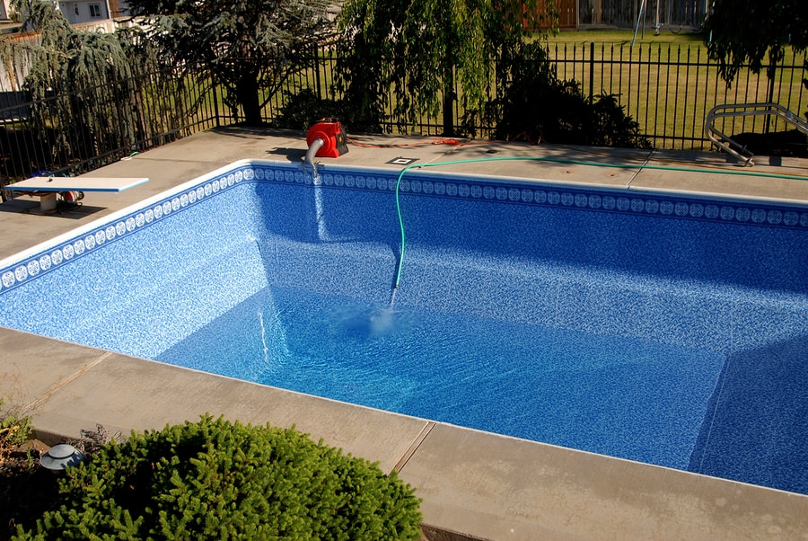 professional pool cleaning service